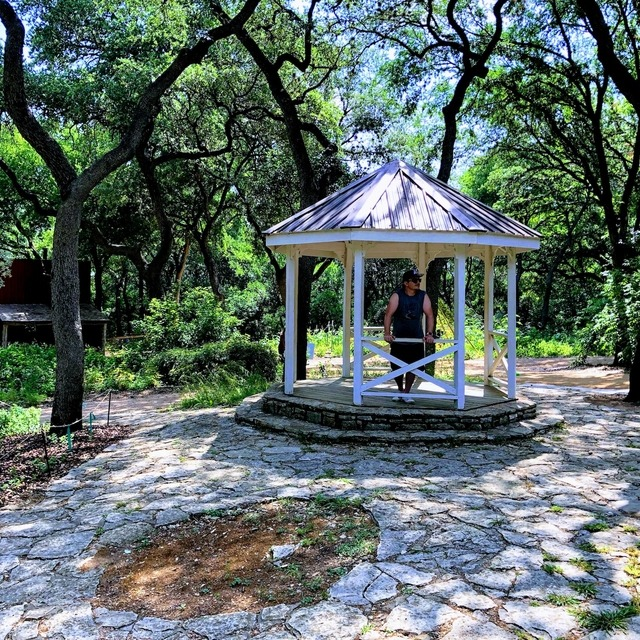 Kelly in a gazebo, Zilker Park for Saturday hiking and exploring